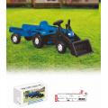 Трактор с совком и прицепом
